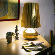 Kartell Cindy 9100M2 lampada di design da tavolo oro.