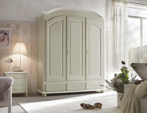 Gli ambienti shabby l 39 arredamento in stile shabby chic - Mobili stile provenzale ikea ...