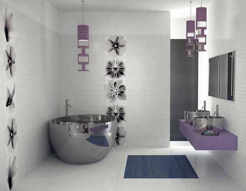 Bagno moderno con vasca cromata