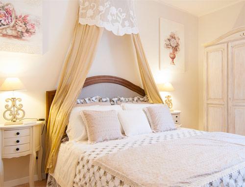 Gli ambienti shabby l 39 arredamento in stile shabby chic - Camera da letto in stile ...