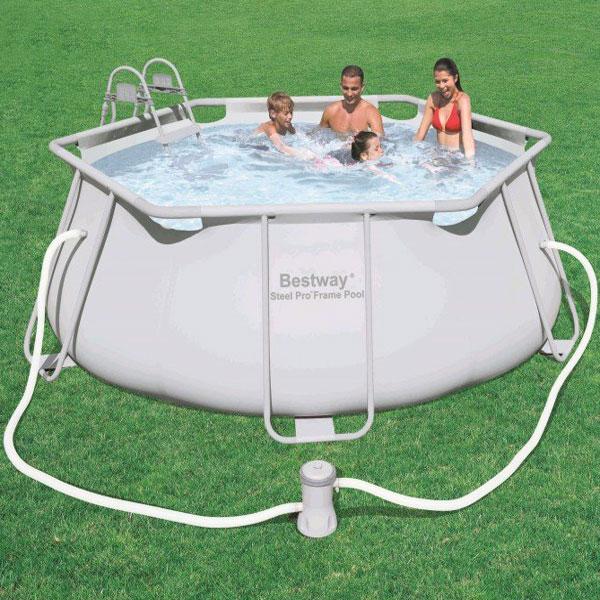 Piscine fuori terra per sfruttare al meglio l 39 esterno - Manutenzione piscina fuori terra bestway ...