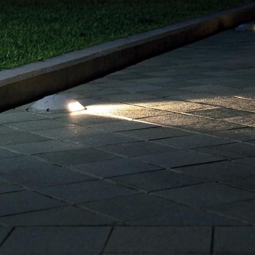 Faretti da incasso per illuminare lesterno della casa